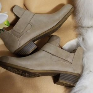 Life Stride Booties COMFORTABLE BOOTS ALL DAY WEAR
